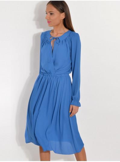 Sukienka z żorżety z zakładaną górą niebieska