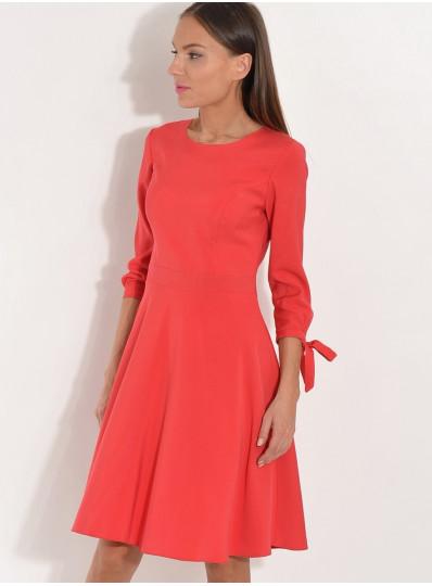 Sukienka z wiązanymi rękawami czerwona