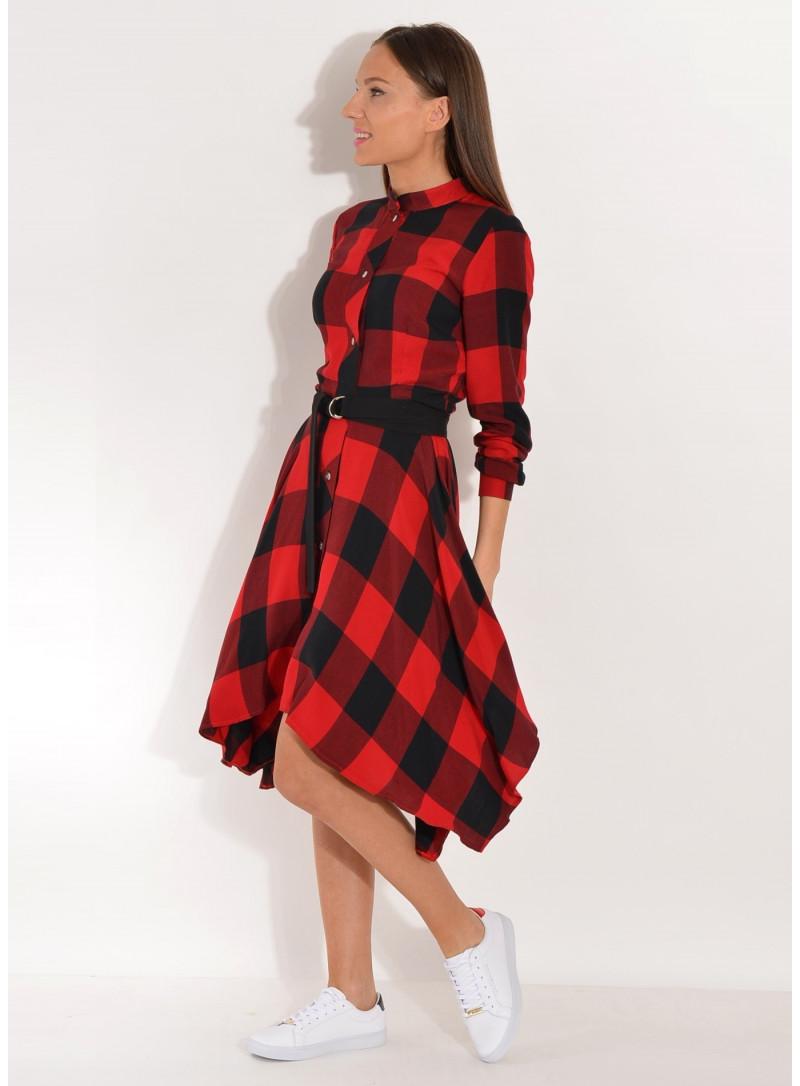 Sukienka w kratę z asymetrycznym dołem
