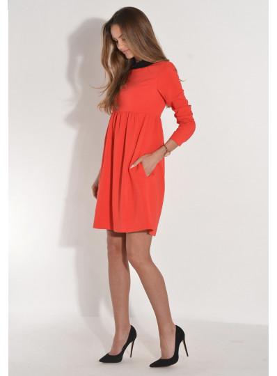 Sukienka odcinana z kołnierzykiem czerwona