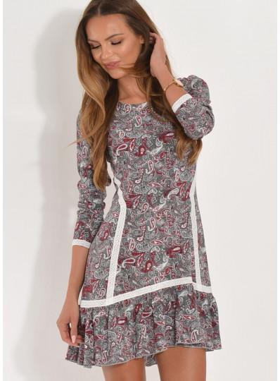 Sukienka wzorzysta z gipiurą