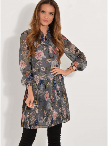 Sukienka z drobnym plisowaniem