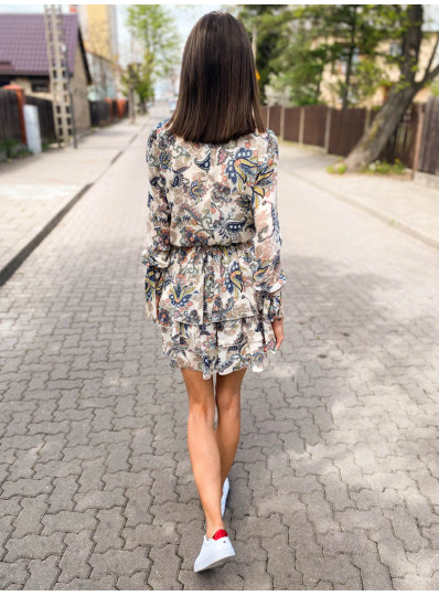 Szyfoniwa sukienka z falbanami i wiązanymi rękawami