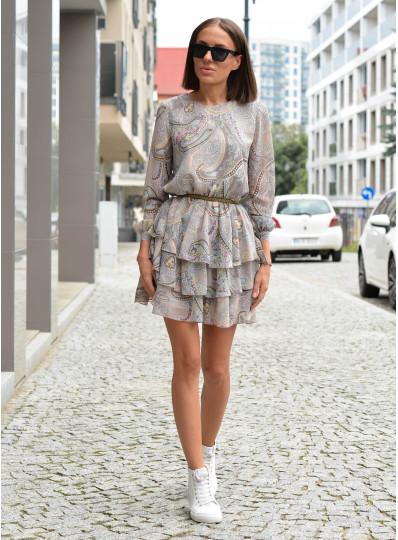 Szyfonowa sukienka z falbanami i wiązanymi rękawami