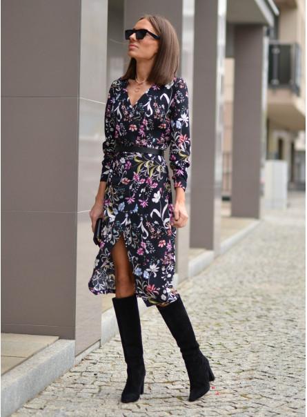 Sukienka z zakładanym przodem w kwiaty