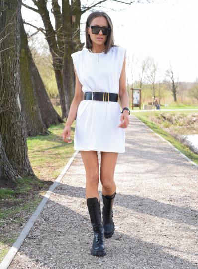 Sukienka Paddet shoulder biała