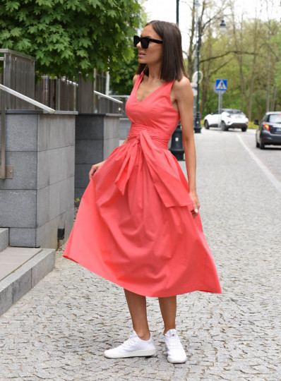 Sukienka Klara z szeroką szarfą koralowa