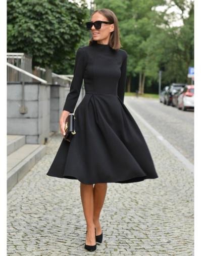 Sukienka ze stójką czarna
